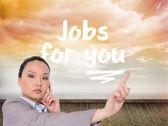 指している思慮深いアジア女性実業家 — ストック写真