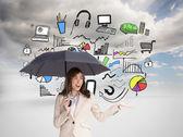 Şık iş kadını holding siyah şemsiye — Stok fotoğraf