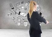 Immagine composita dell'imprenditrice tirando una catena — Foto Stock