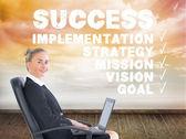 Sammansatt bild av affärskvinna sitter på snurrfåtölj med laptop — Stockfoto