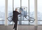 Составное изображение зрелого бизнесмена, восхождение по карьерной лестнице — Стоковое фото