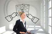 Immagine composita dell'imprenditrice usando il portatile — Foto Stock