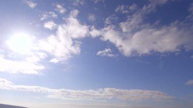 Panoramic shot of sky to coastline — Stock Video