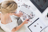 Female photo editor at work in the office — Stock Photo
