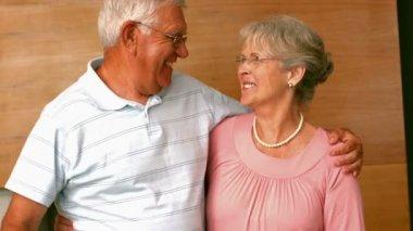 Senior man surpising partner with flowers — Stock Video