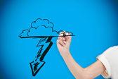 Kobieta rysunek chmura z piorunami — Zdjęcie stockowe