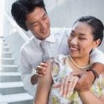 Couple showing engagement ring on womans finger — Foto de Stock
