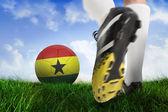 Pelota de ghana coleando futbol bota — Foto de Stock