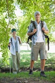 Couple going on a hike — Stock Photo