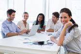 Empresaria en el lugar de trabajo — Foto de Stock