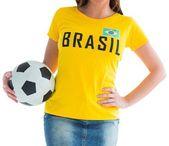Pretty football fan in brasil t-shirt — Stockfoto