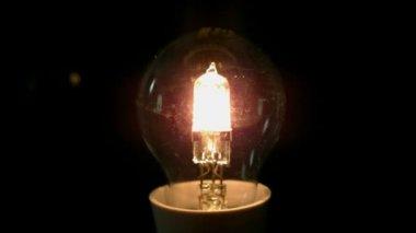 Light bulb exploding — Stock Video