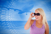 Blond woman with sunglasses — Stock Photo