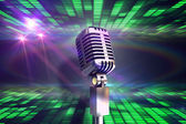 Microphone rétro chrome — Photo