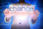 Businesswoman presentando la parola cambiamento — Foto Stock