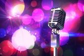 Microfone cromado retrô — Foto Stock