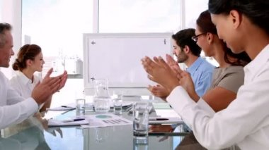 Business team applauding a copy space — Stock video