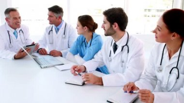 Medical team talking during a meeting — Stock Video