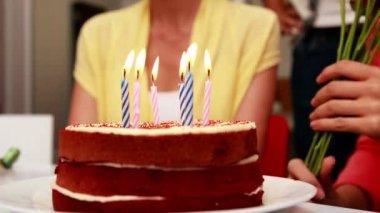 Business team celebrating a birthday — Stock Video