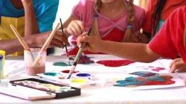Preschool class painting in classroom — Stock Video