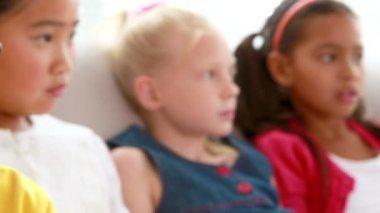 Children on the sofa — Stock Video