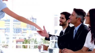 Business people shaking hands — Stock Video