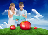 Brother and sister learning lesson — Stock Photo