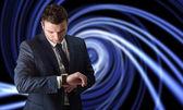 Biznesmen kontroli czasu — Zdjęcie stockowe