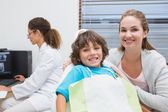 Little boy and mother with dentist — Stock Photo