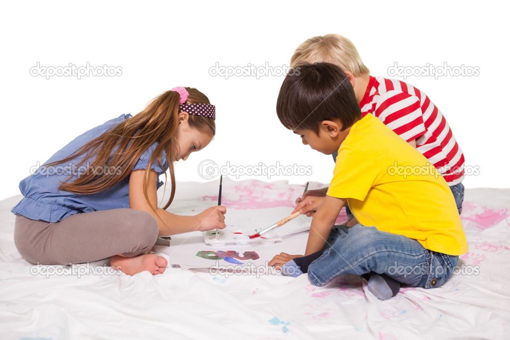 Ni os pintando en el suelo foto de stock 51602269 depositphotos - Suelos para ninos ...