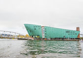 AMSTERDAM - NOVEMBER 18: The Nemo Museum, the largest science ce — Stock Photo