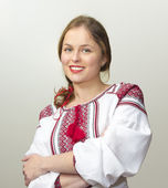 Portrait of beautiful young woman in the Ukrainian national clot — Stockfoto