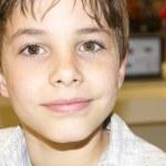 Porträt einer süßen Jungen-Nahaufnahme — Stockfoto #29604233