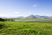Beautiful lake against mountain background, Iceland, good summer — 图库照片