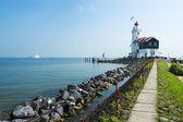 La route vers le phare, marken, pays-bas — Photo