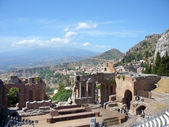 The antique theater of Taormina, Sicily — Stock Photo