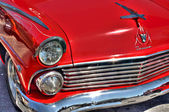 Rote Ford fairlane — Stockfoto
