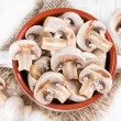 Mushrooms in a ceramic bowl — Stock Photo
