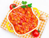 Beans with vegetables in tomato sauce — Stock Photo