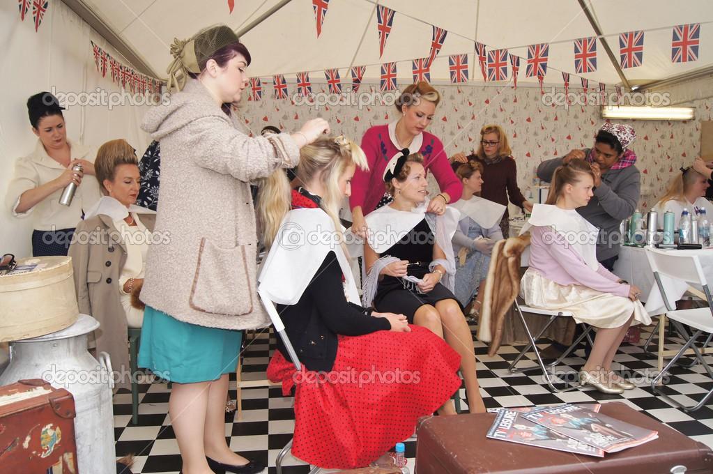 Vintage friseur und beautysalon redaktionelles for 1950 s beauty salon