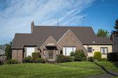 Brick single-family house — Stock Photo