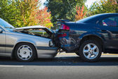 Auto accident involving two cars — Stock Photo