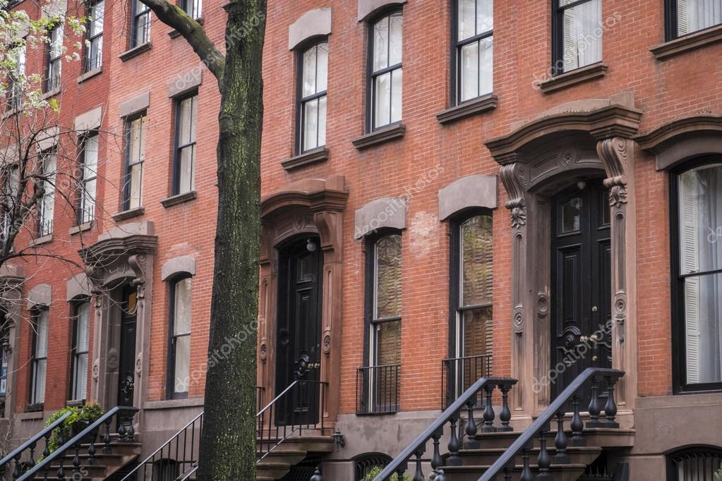Classic old new york city apartment stock photo for Classic new york house music