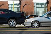 Accident de voiture impliquant deux voitures — Photo