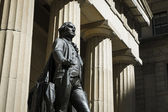 Statue of George Washington, Federal Hall, New York City — Stock Photo