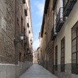 Narrow street of madrid, Spain — Stock Photo