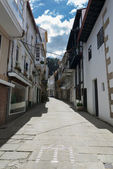 Narrow street of Pontedeume, Galicia, Spain — Stock Photo