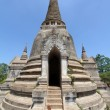 Old and ruined stately Chedi at Wat PhrSi Sanphet Temple, Thailand — Stockfoto #28705755