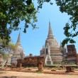 Old and ruined stately Chedi at Wat Phra Si Sanphet Temple, Thailand — Stockfoto