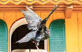 Gołębnik i domu — Zdjęcie stockowe